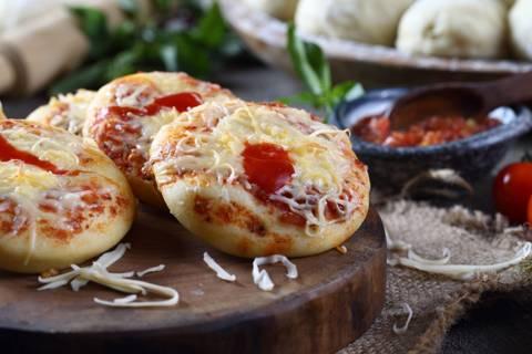 علبة البيتزا بالجبنة الميني