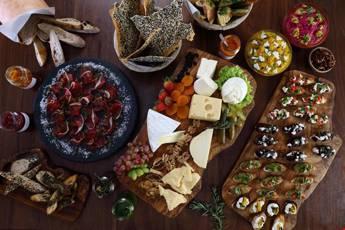 Small Gourmet Appetizer Platter