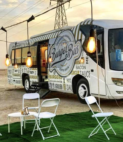 Burger Bus for 15 Persons